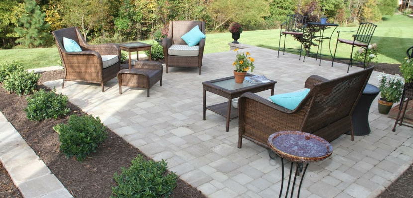 outdoor patio with hardscapes